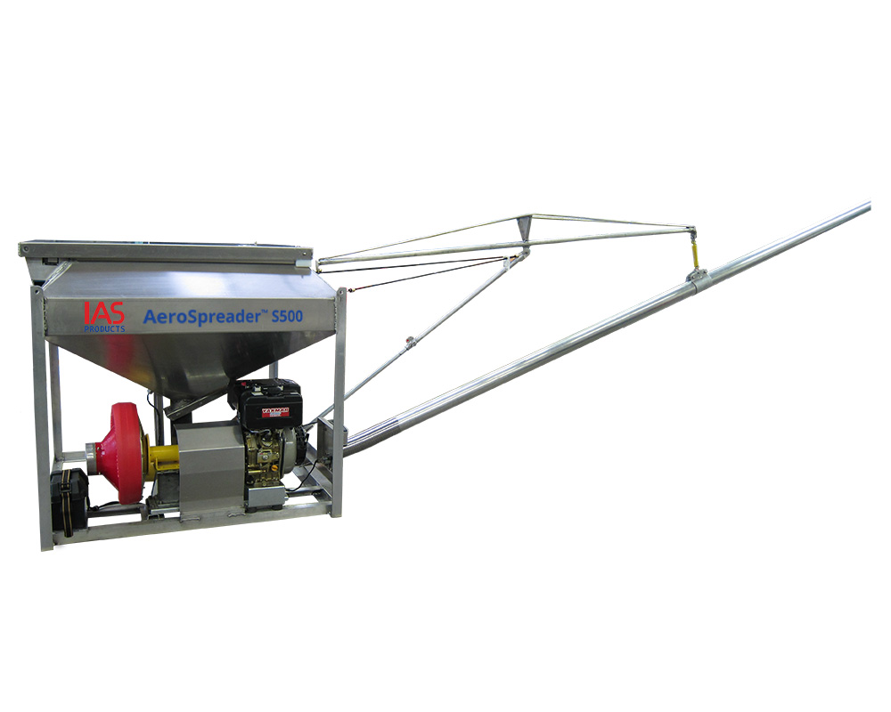 fish feeder with extended feed boom