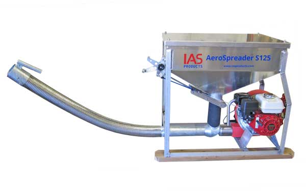 Aerospreader™ S125 fish farm feeder with gas engine and stainless steel flex hose