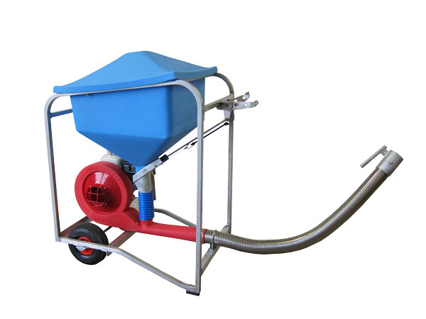 AeroSpreader™ S80 fish farm feeder with gas engine, stainless steel flex hose, polyeurethane hopper, and wheels mounted inside the frame